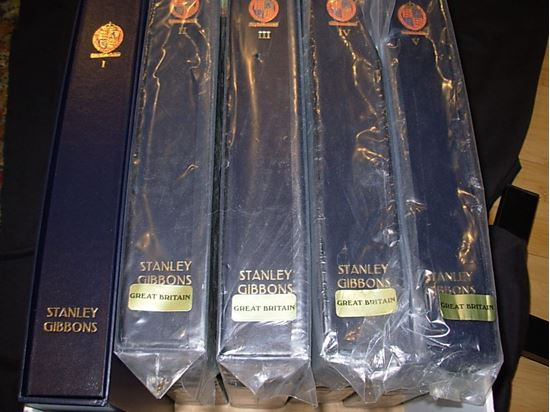 Picture of TERRIFIC 5 VOLUME STANLEY GIBBONS DAVO ALBUMS 1840 TO 2010-BRAND NEW!